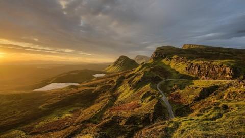 Shredall Scotland marks 10th birthday by rubbing shoulders with Hollywood star